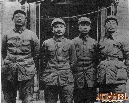 """[图文]哪些二野兵团将领不给邓小平""""面子""""?"""